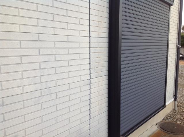 一戸建ての防犯に有効な窓シャッター!その種類と特徴は?