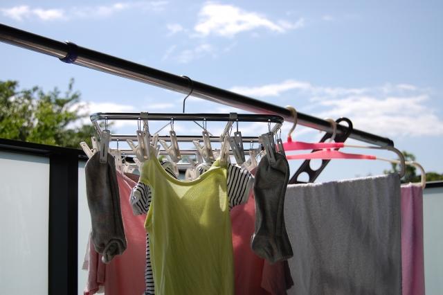 マンションでの洗濯物の干し方は?室内・室外それぞれご紹介