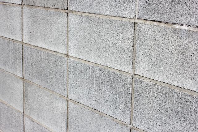 境界のブロック塀には注意!塀の高さとそのルールとは?