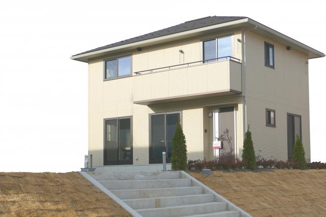 家を建てるなら知っておきたい!軽量鉄骨と木造の違い
