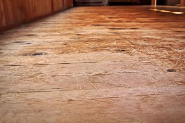 賃貸で気を付けなければいけない床の傷!原状回復の範囲は?