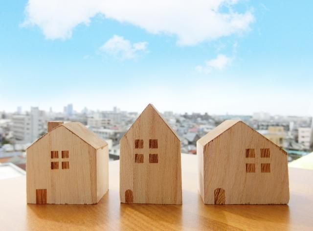 地目が雑種地の土地に家を建てるのは可能?その流れと注意点