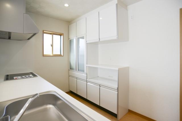 悩ましいマンションのオプション!食器棚はどうしたらいい?