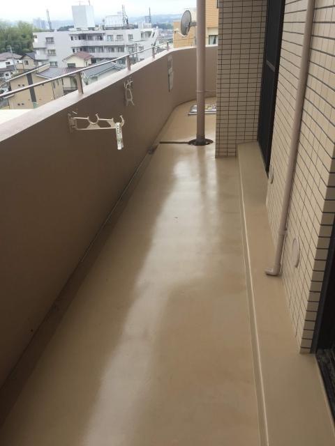 マンションベランダ掃除は盲点?排水溝トラブルを防ぐ掃除法
