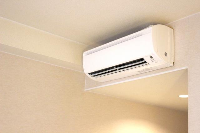 新築のエアコンの配管穴はいつ開ける?工事はどうやるの?