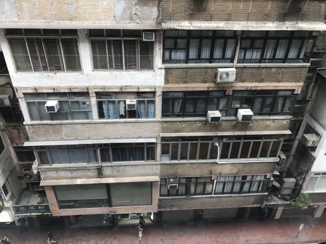 マンションの建て替えは築年数が経過しても難しいのが現状?