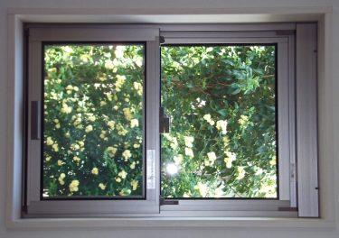 窓のゴムパッキンを修理したい!ゴムパッキンの交換方法は?