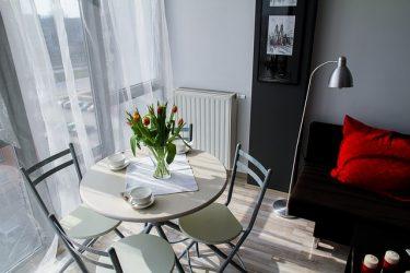 1人暮らしで人気の1DK!家具レイアウト法で6畳居室を快適に