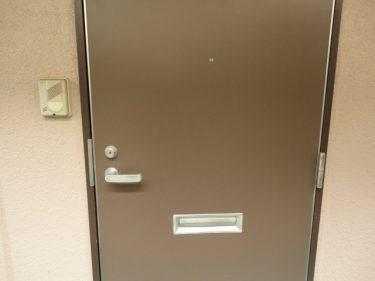 【トラブル回避】アパート住まいならドアの開閉音対策を!
