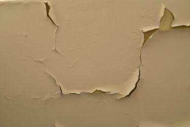 アパートの壁紙に傷や汚れが!原状回復の対象になるケース